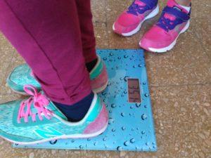 Para trabajar los decimales jugamos con nuestro peso.
